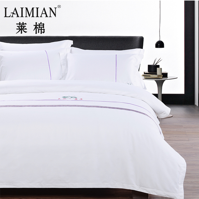 Hot Sold Bed Sheet Designs Customized Logo Hand Embroidery Satin Bedding Set