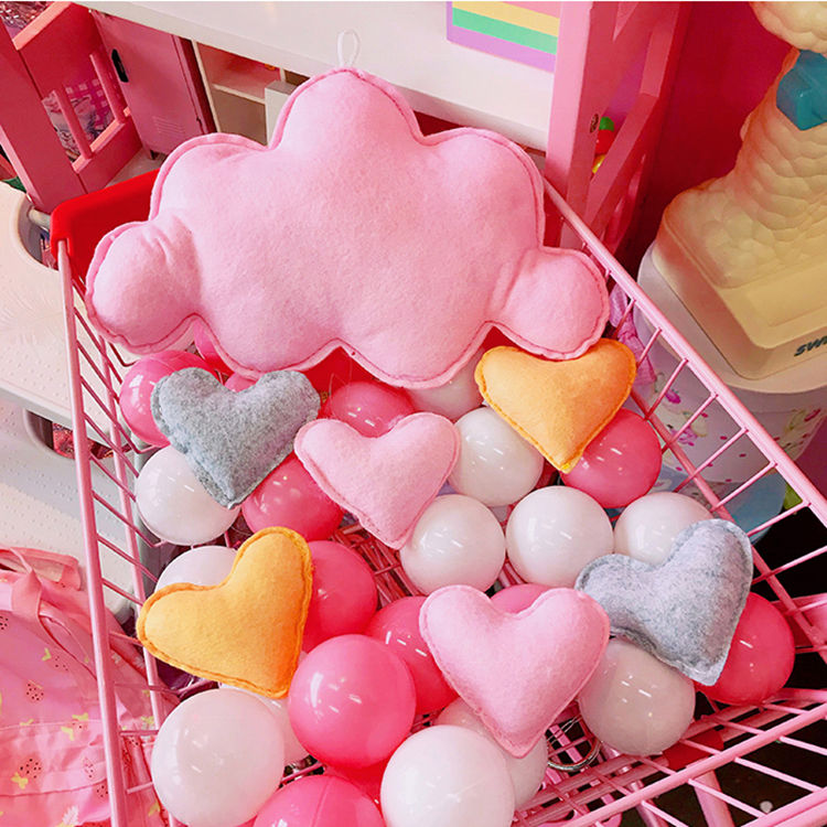 Pink color felt baby crib hanging toy for decoration with customized logo