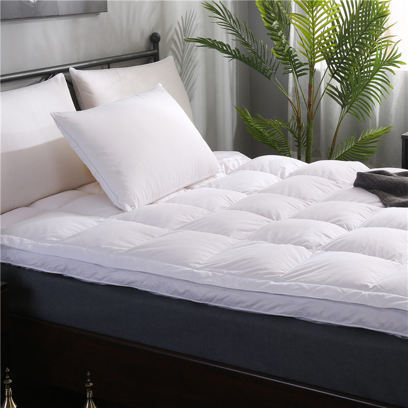 Wholesale High Quality White Plain King Size mattress pad For Home Hotel