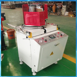 Any angle weld plastic window and door fabricating machine