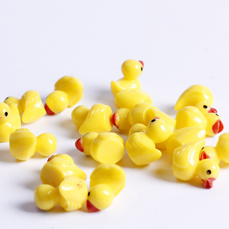 Factory Outlet Resin Ducks Ornaments Flatback Kawaii Miniature Resin Animals Micro Landscape Decoration Yellow Ducks Accessoies