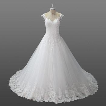 Mujeres con vestidos de novia