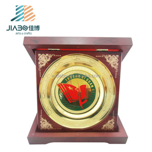 High quality custom design brass material 24k gold metal trophy souvenir plates