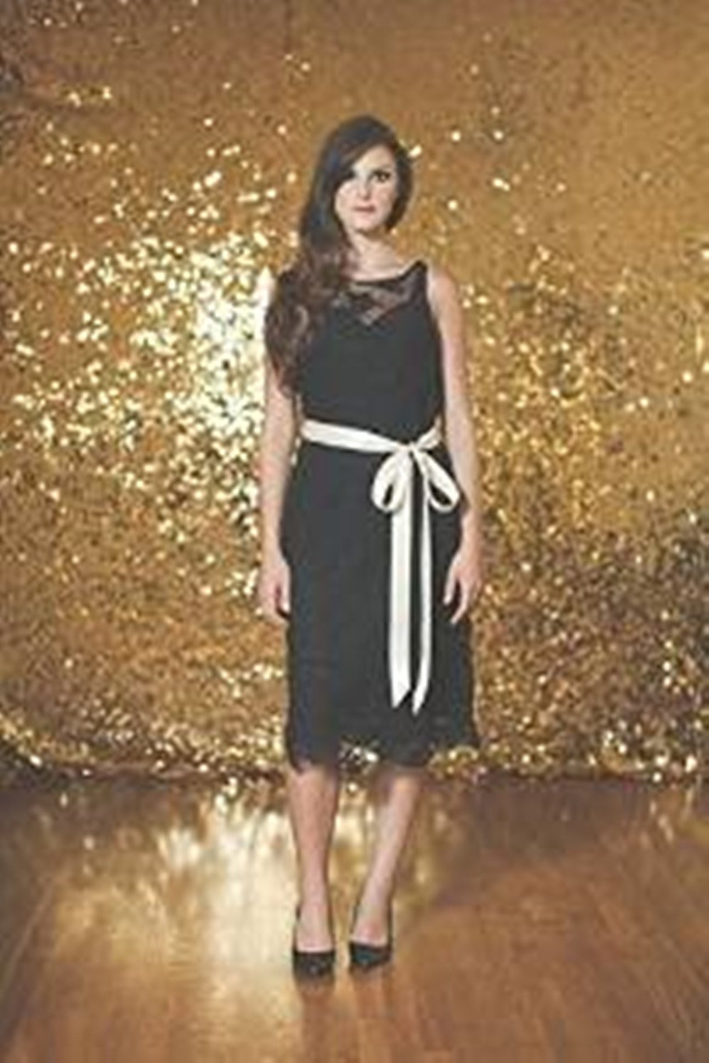 TRLYC 5ft6ft Gold Sequin backdrops, Sequin photo booth backdrop, Party backdrops, Wedding backdrops, sparkling backdrops , Christmas decoration