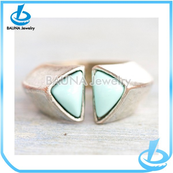 Wholesale fashion double green gemstone new design ladies finger ring