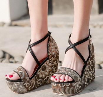 db6ddd148668 SS0190 Embroidery women gender platform shoes 2018 ladies summer high heel  open toed wedge sandals