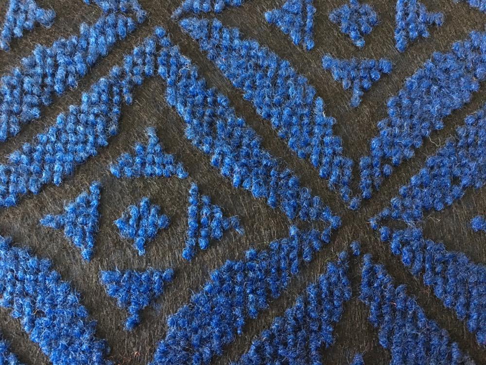 Teppichbodenrolle für Nadeln im Doppel-Jacquard-Stil für innen