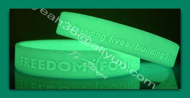 china 2013 vners new product multi-purpose silicon wristband for hair accessory