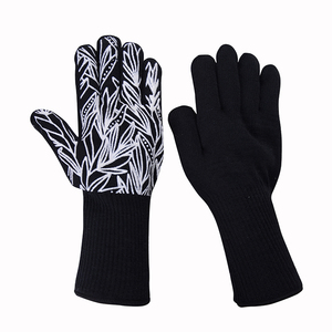 Oven Frying Smoker Barbecue Grilling Baking Cooking Gloves 932F Extreme Heat Resistant Indoor Outdoor Gloves For Men And Women