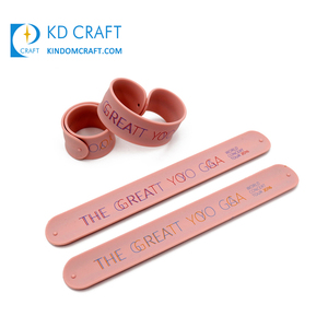 Small quantity custom promotional rubber slap bracelets funny silicone snap on wristbands for kids