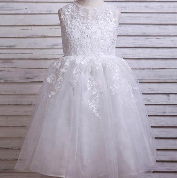 7454528840f90 CQ016 Nouveau Chaud Blanc Dentelle Fleur Fille Robe Élégante Communion  Pageant Robes Pour Fille Pas Cher