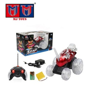 Rechargeable remote control stunt car toy, high speed stunt rolling car with light