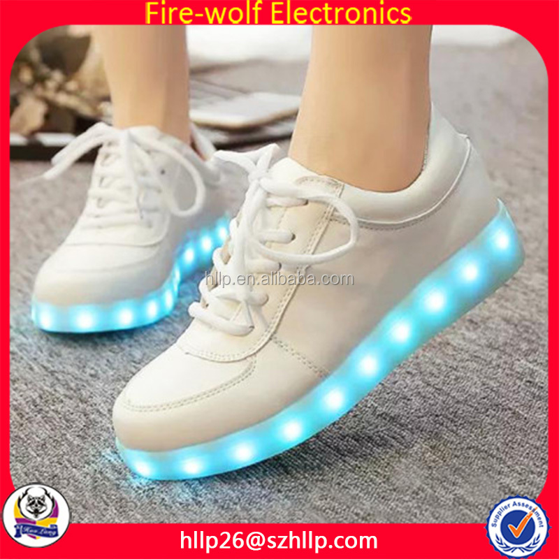 Wholesle christmas stuff color changing led sneaker shoes christmas lighting shoes