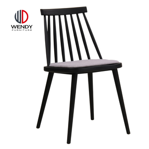 New Design For Winter Restaurant Table Side Cushion Plastic Dining Chairs