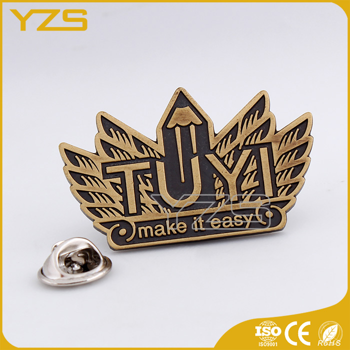 factory directly sell custom breast insignia