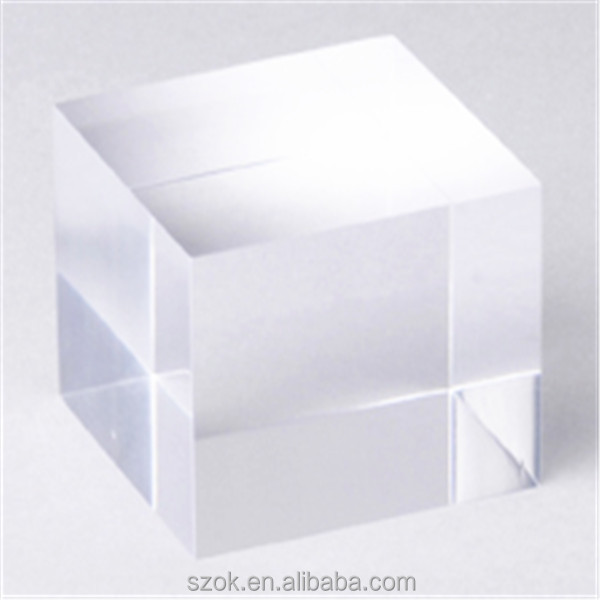 laser engraved plexiglass jewelry display block/cube with low price