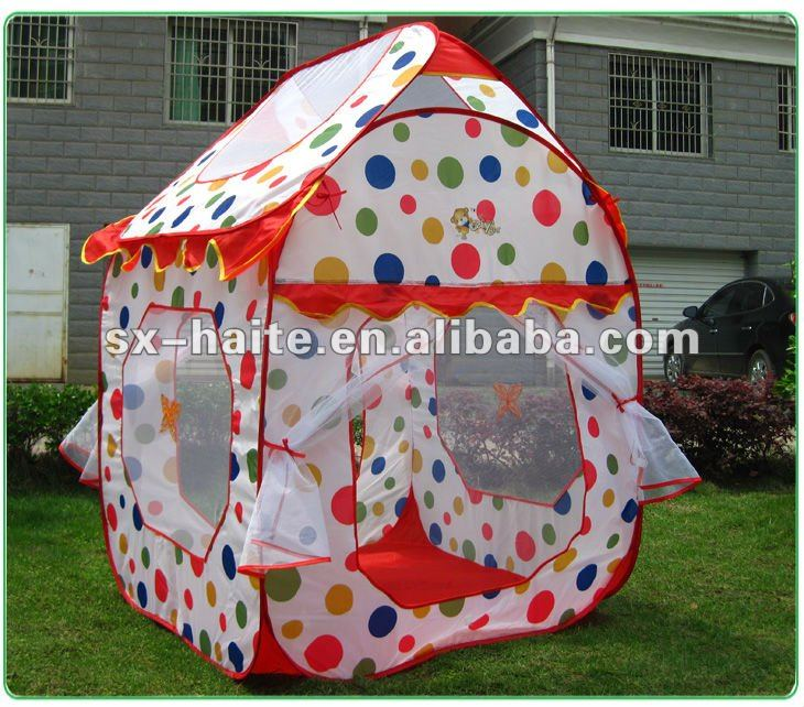 Kids play pop up big house tent