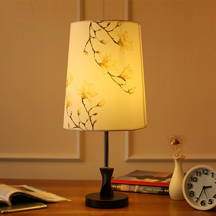 High Quality Edison Screw Solid Wooden Lamp Base Table Lamp For Decor