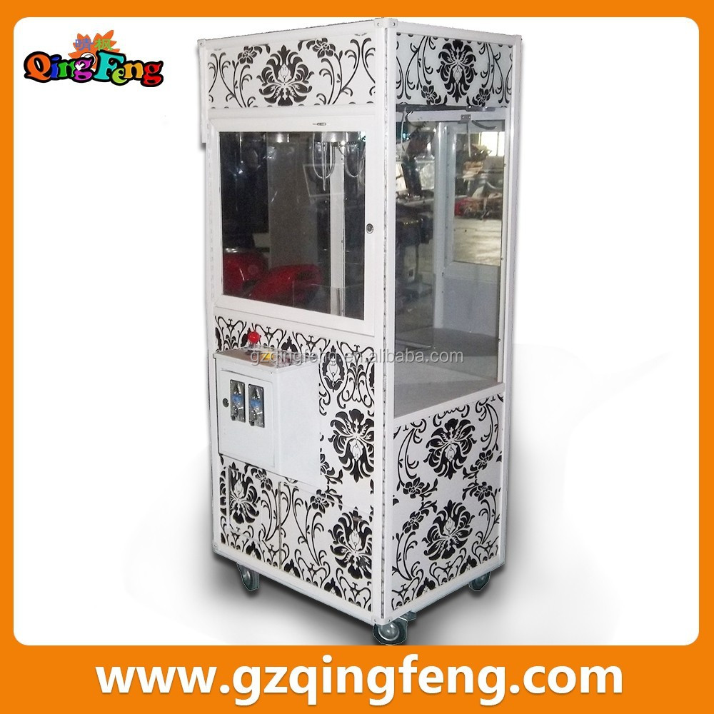 Qingfeng candy crane machines coin operated gift vending game machine