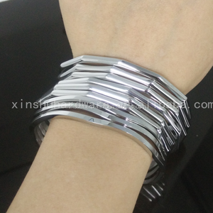 Fancy charm female simple design stainless steel bangle with high polished