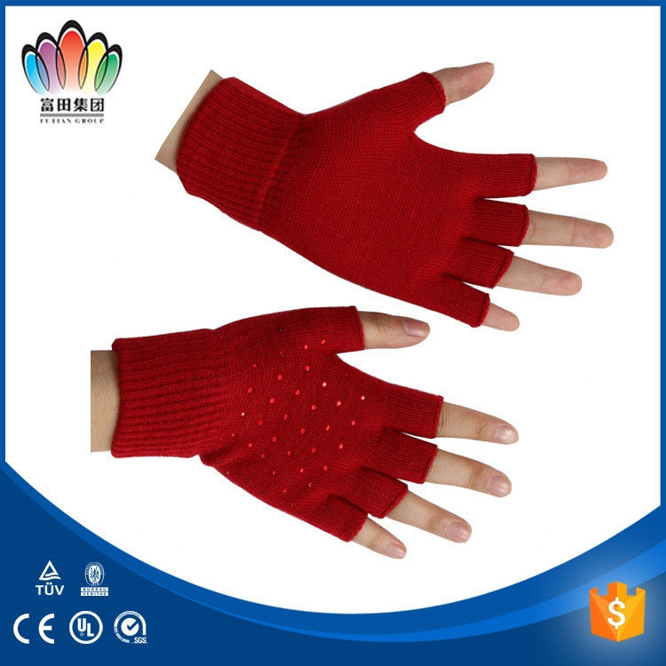 FT Fashion acrylic knitted half fingers smart phone touch screen glove with diamanter on the palm