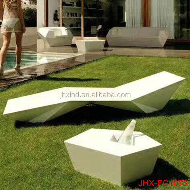 Fashion Chair Furniture Outdoor Sculptures Statues For Square