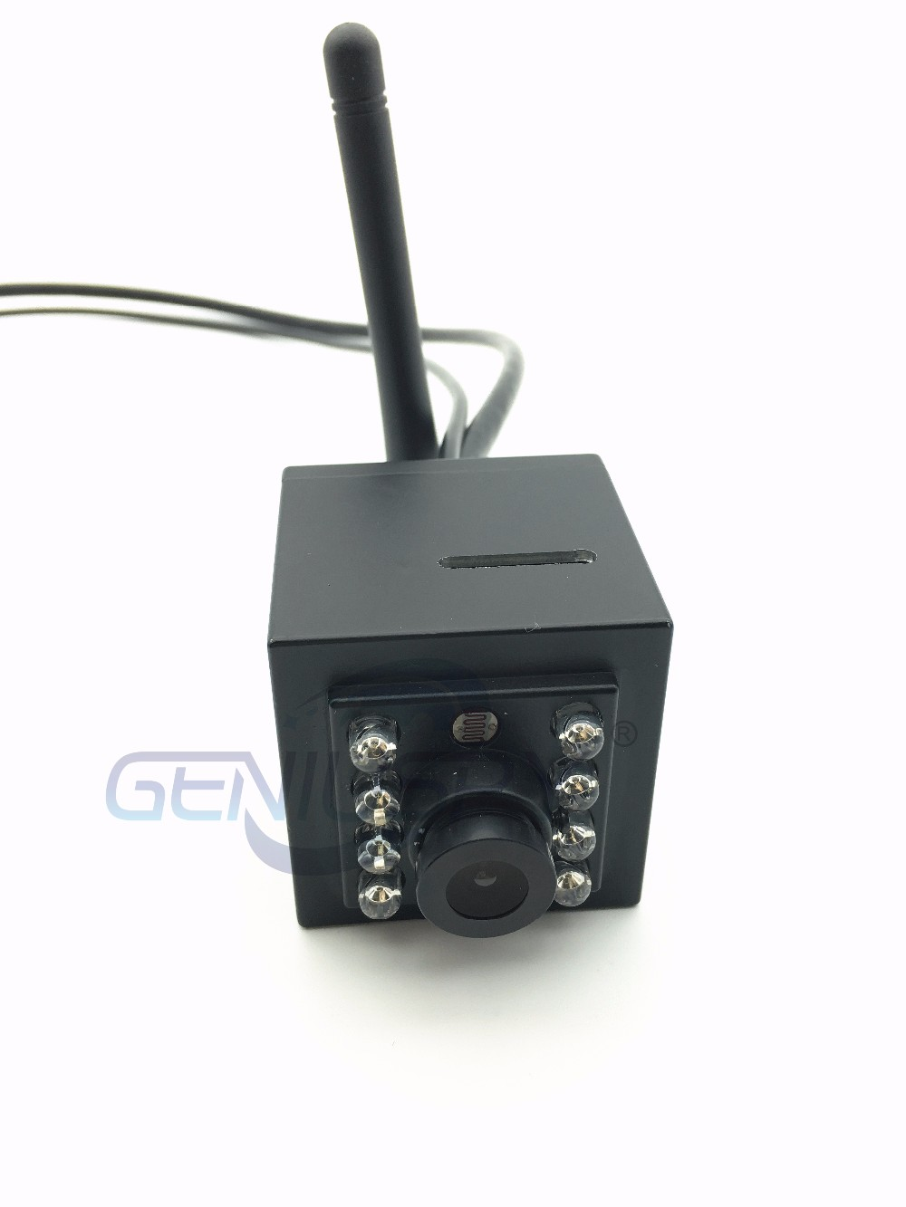SD Card Slot Audio Video IR Night Vision 940nm 960P HD Wifi Wireless IP Bird Nest Camera