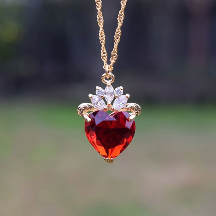 Evie Luxe Gold Necklace Red Heart July Birthday Gift Descendants Queen Of Hearts Jewelry Mother S Day