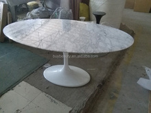 Saarinen Tafel Ovaal : Ovale marmeren tafel