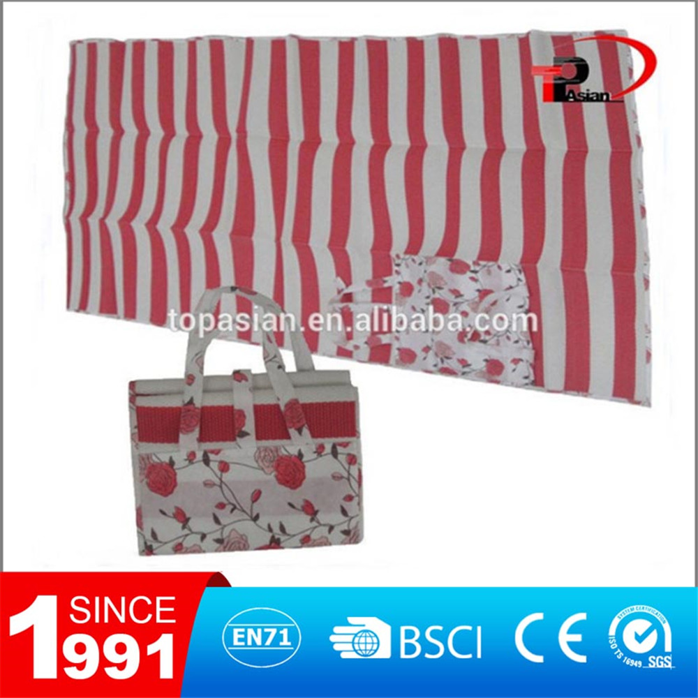 Plastic & Straw & Sponge foam foldable beach mat
