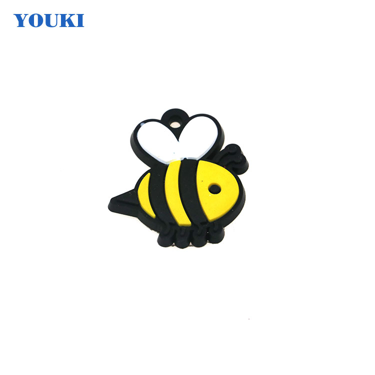Cute bee image Custom pvc rubber label plastic plant label for Bag Accessories