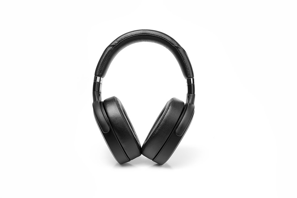 Noise cancelling open style Planar magnetic headphones