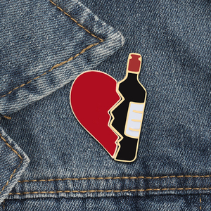 Fashion cheap decorative enamel metal custom heart shaped pin badge for gift