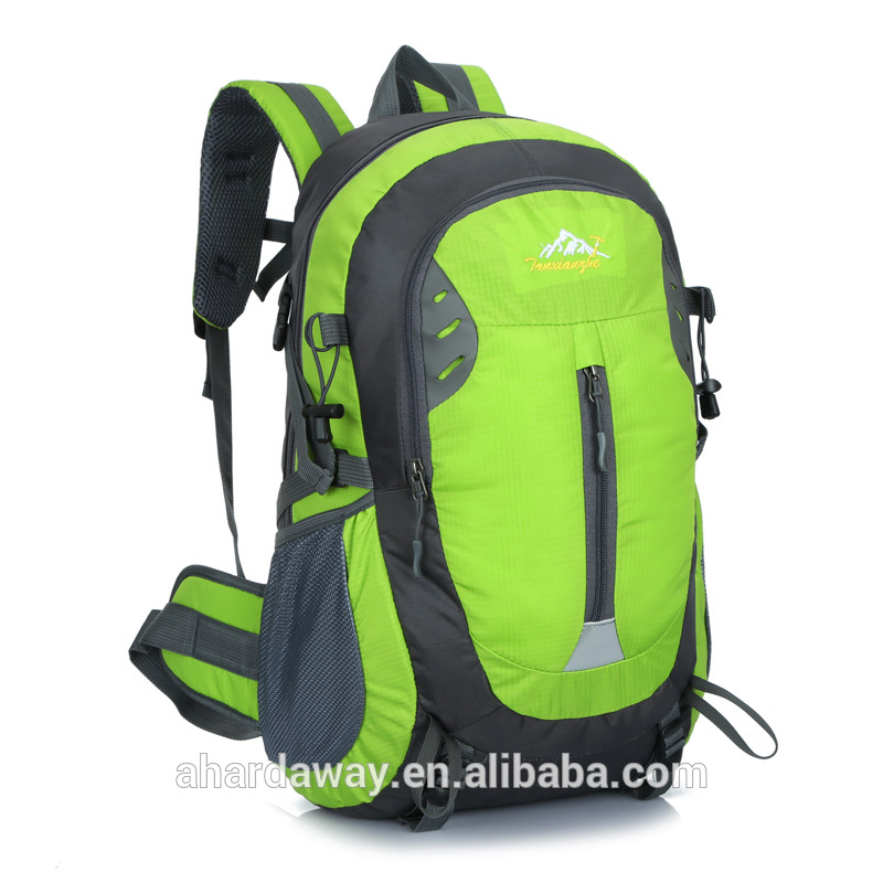 Wholesale lightweight and durable custom school backpack