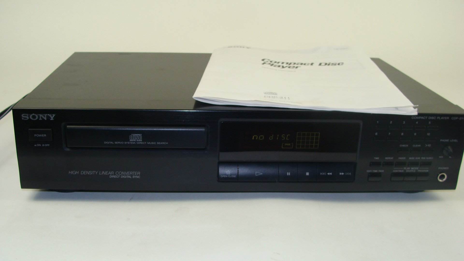 Sony CDP-211 Single CD Compact Disc Player