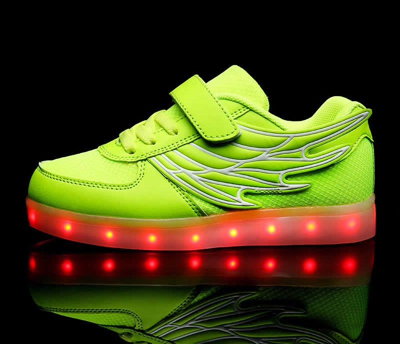 Popular Boys Girls LED Light Up Fashion Sneakers Zapatos Led Wing Shoes