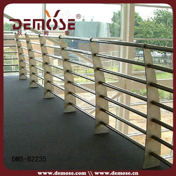 Barandas y barandilla para terrazas con pasamanos de for Terrazas hierro