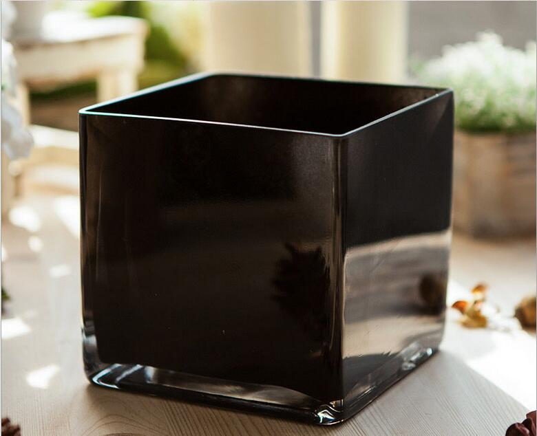 Square black lacquer that bakeglass Vase