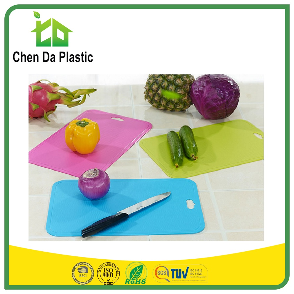 2017 hot sale 39*26 cm pp tpe south america market BSCI chopping board rick simpson oil for fruit
