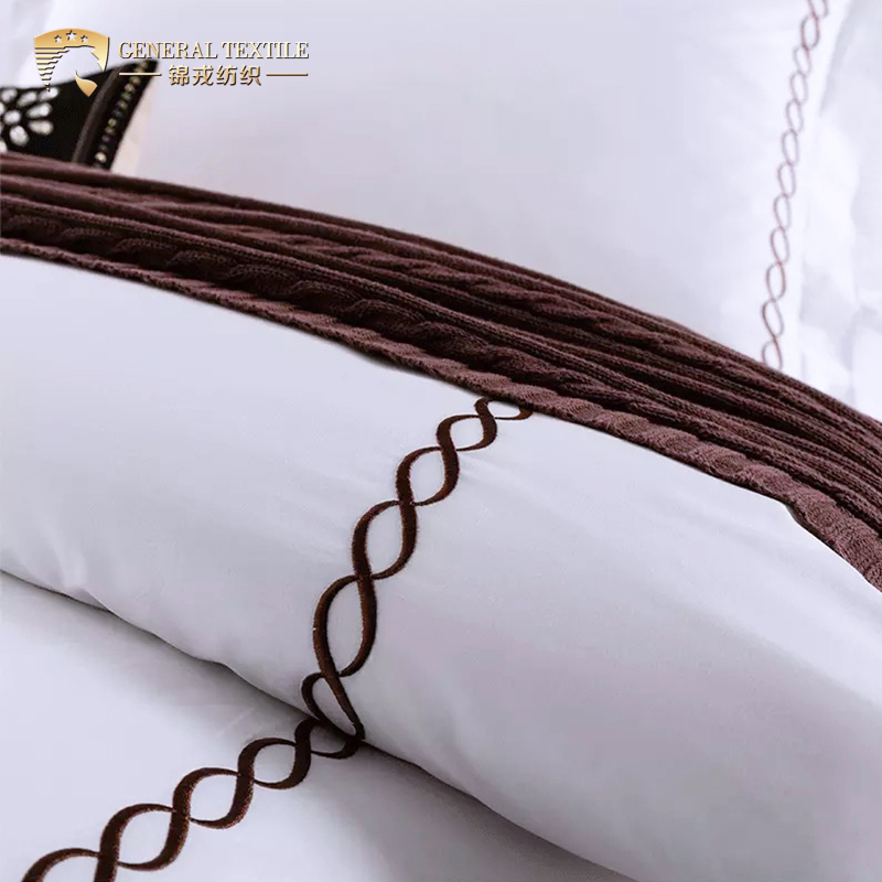 Luxury King Size White Hotel Embroidery Bedding Sheet Sets Duvet Cover Sets