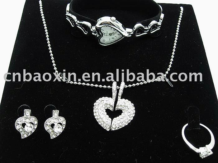 Fancy jewelry set