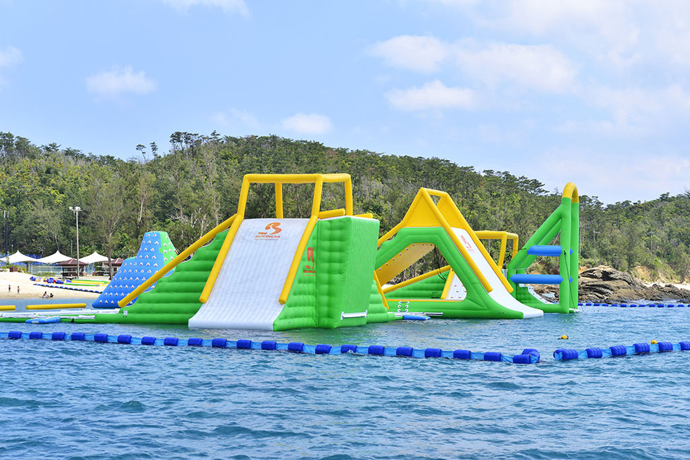 UK Oxford Inflatable Aqua Park made by Bouncia, Customized Inflatable Water Games Park