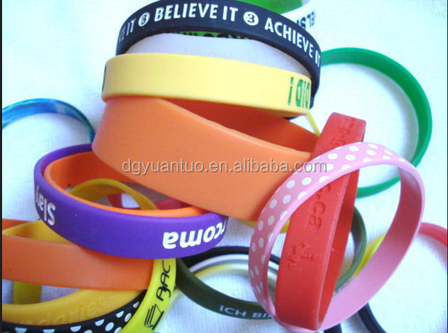 Promotional colorful silicone rubber band pvc rubber bracelets