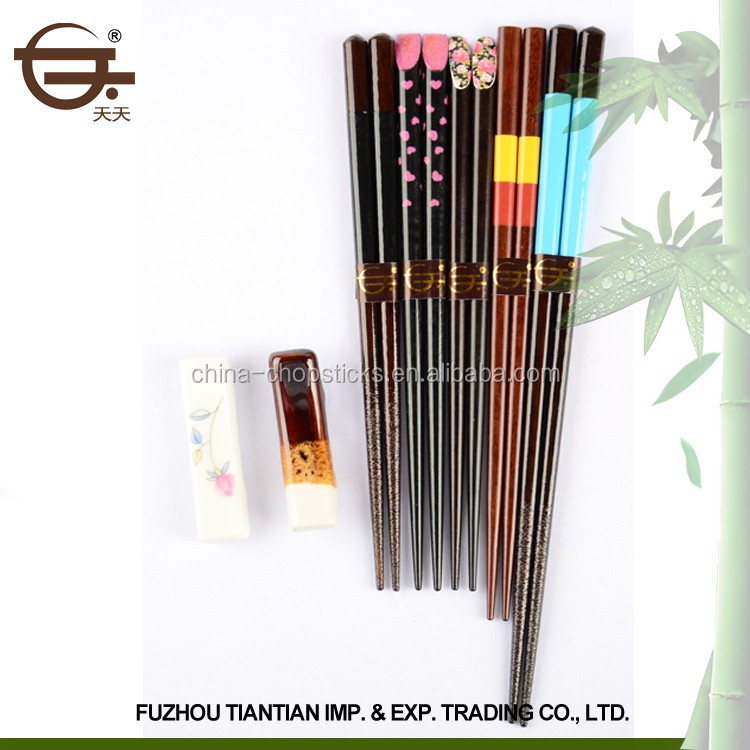 2017 Wholesale Eco-Friendly Chinese Style Colorful Wooden Chopsticks