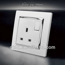 BS standard, UK style 13A switched socket, GT9009