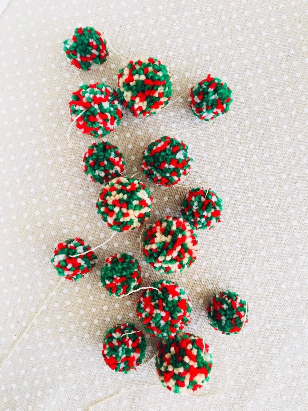 Pom Garland Red Green Yarn Christmas Decoration