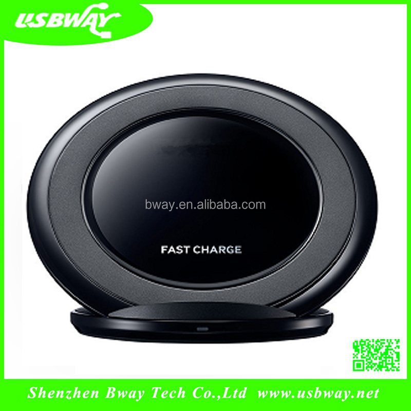 2016 new products for smartphone fast wireless charging stand 1000man 5V car stand for mobile phone with black and white