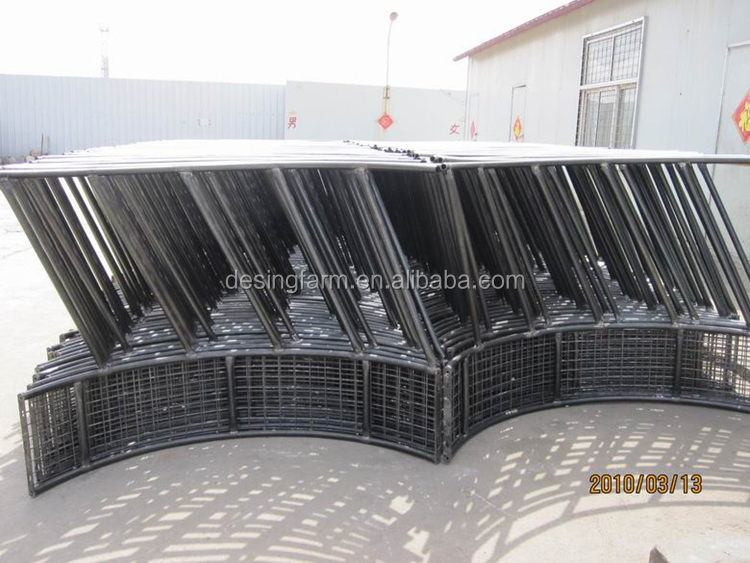 hot dip galvanized horse hay feeder with roof