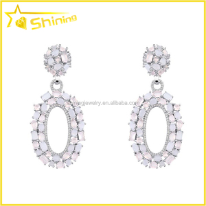 simple design female fashion earring with oval stone paved milky color cristal earrings