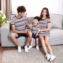 2015 New Korea Fashion Red Blue Striped T Shirt and shorts Family Matching Outfits Family suit